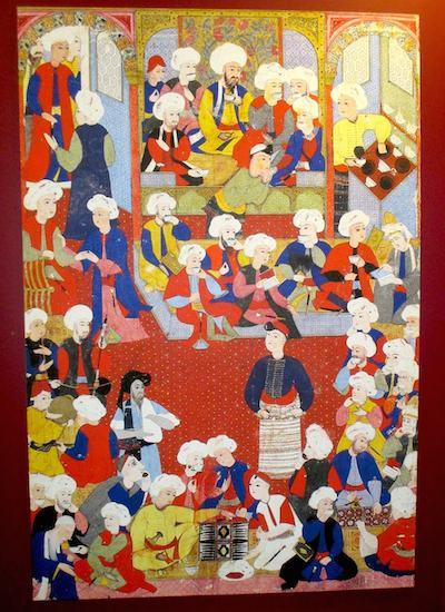 La miniatura conservata alla Chester Beatty Library di Dublino che riproduce il primo caffè del mondo aperto a Istanbul nel 1554